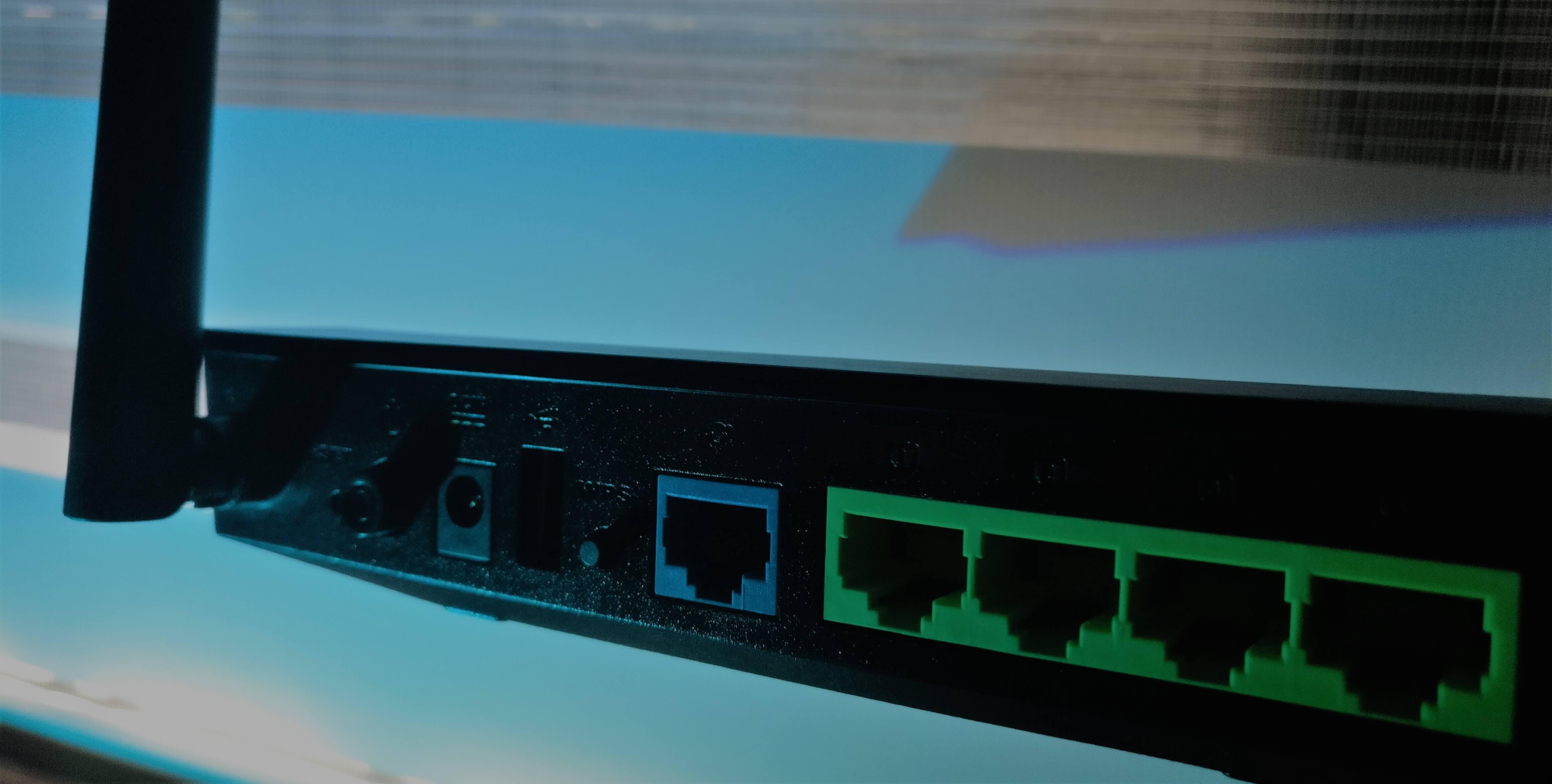 Router Asus AC52U